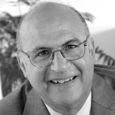 Δρ. Μιχάλης Σφακιανάκης